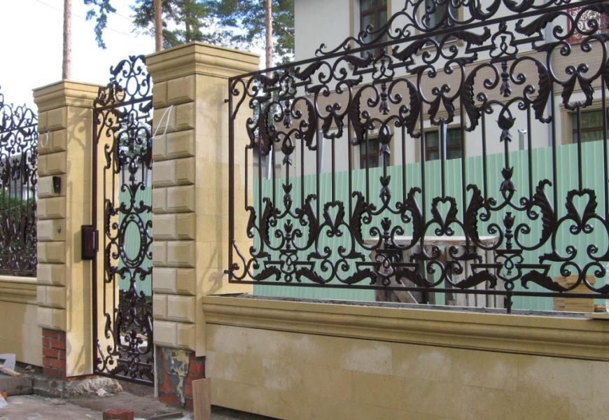 Кованые заборы для дачи или частного дома