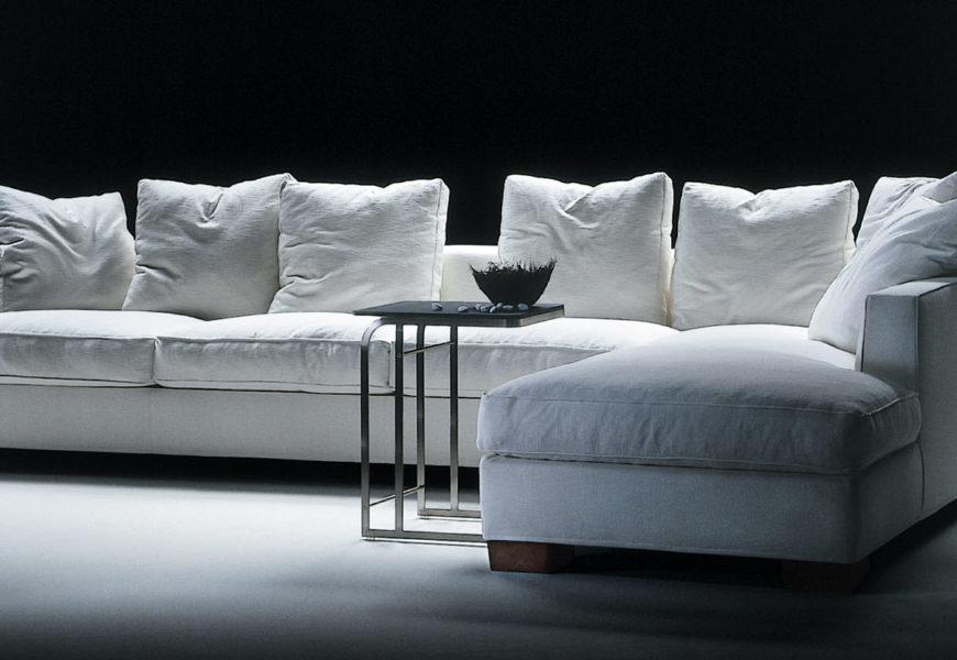 Как обустроить свою квартиру мягкой мебелью?