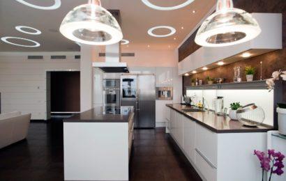 Как правильно разработать дизайн кухни в соответствии с модой 2017 года?