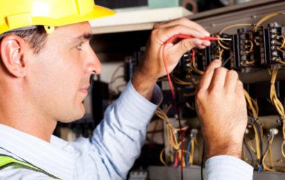 Когда нужны услуги электрика?
