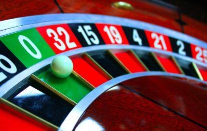 Игровые автоматы: как вращать барабаны бесплатно и выигрывать деньги?