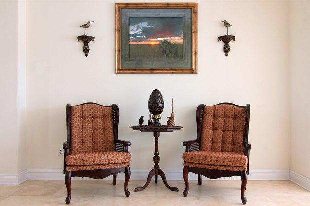 Какую мебель принято считать антикварной?
