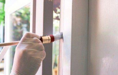 Как правильно красить окна, чем пользоваться