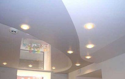 Оформляем потолок глянцевыми натяжными потолками