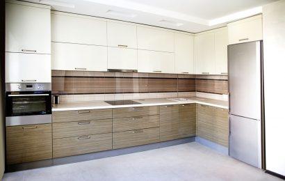 Особенности и разновидности кухонных гарнитуров
